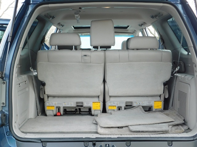 2007 Toyota Sequoia Limited 4Dr SUV / Leather / 3rd Seat / Timing Belt - Photo 17 - Portland, OR 97217
