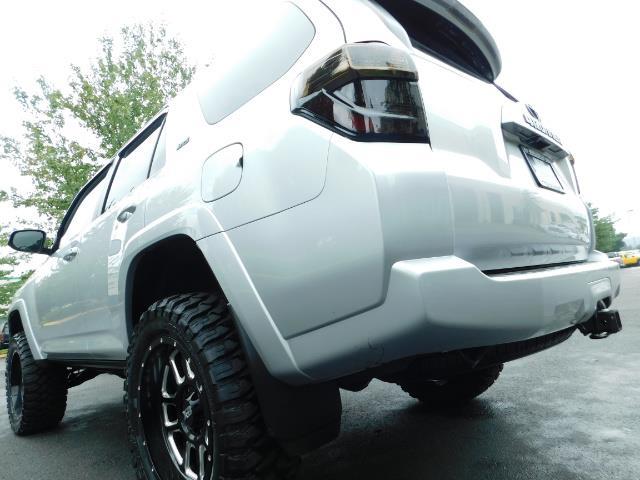 2016 Toyota 4Runner SR5 / 4WD / Navigation / backup camera / LIFTED - Photo 11 - Portland, OR 97217