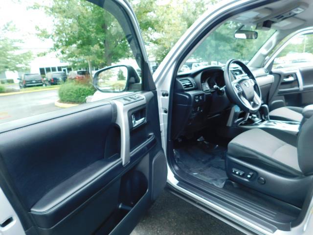 2016 Toyota 4Runner SR5 / 4WD / Navigation / backup camera / LIFTED - Photo 13 - Portland, OR 97217