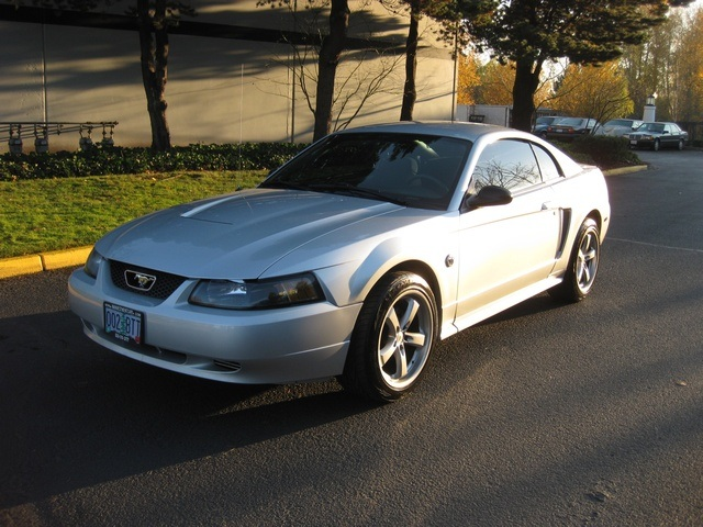 2004 Ford Mustang Coupe 40th Anniversary  5