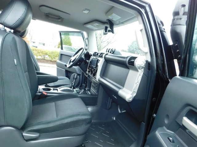 "2010 Toyota FJ Cruiser 4X4 / V6 4.0L / DIFF LOCK / 20 "" XD's / LIFTED !! - Photo 17 - Portland, OR 97217"