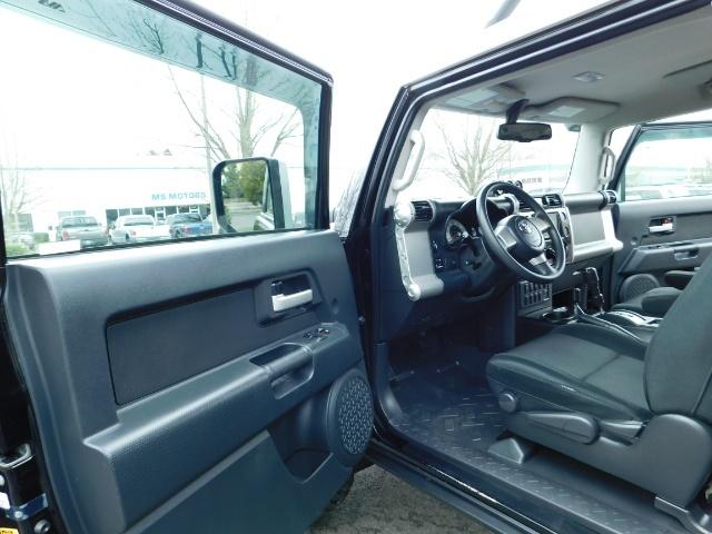 "2010 Toyota FJ Cruiser 4X4 / V6 4.0L / DIFF LOCK / 20 "" XD's / LIFTED !! - Photo 13 - Portland, OR 97217"