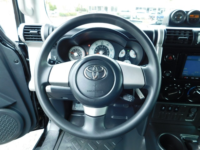 "2010 Toyota FJ Cruiser 4X4 / V6 4.0L / DIFF LOCK / 20 "" XD's / LIFTED !! - Photo 35 - Portland, OR 97217"