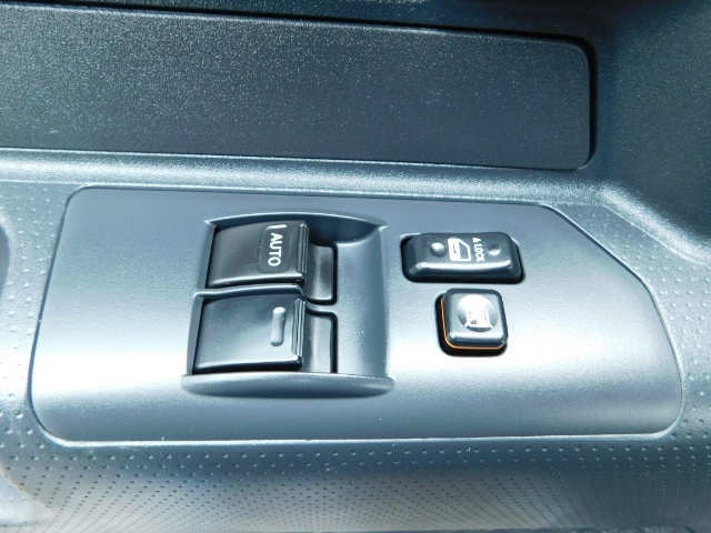 "2010 Toyota FJ Cruiser 4X4 / V6 4.0L / DIFF LOCK / 20 "" XD's / LIFTED !! - Photo 33 - Portland, OR 97217"