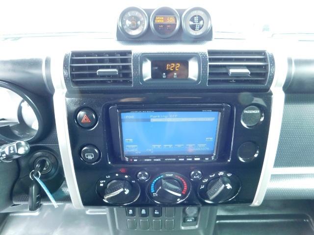 "2010 Toyota FJ Cruiser 4X4 / V6 4.0L / DIFF LOCK / 20 "" XD's / LIFTED !! - Photo 19 - Portland, OR 97217"