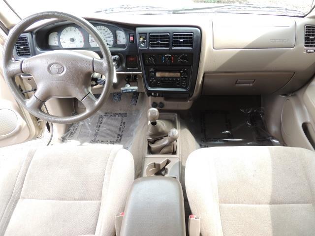 2003 Toyota Tacoma 2dr Xtracab V6 / SR5 / 4X4 / 5-SPEED MANUAL/LIFTED - Photo 17 - Portland, OR 97217