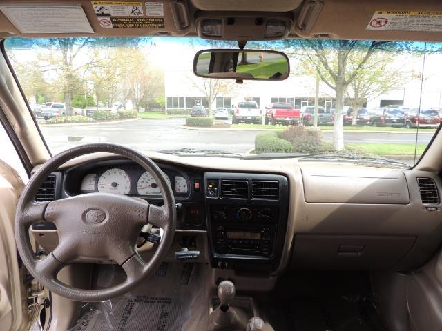 2003 Toyota Tacoma 2dr Xtracab V6 / SR5 / 4X4 / 5-SPEED MANUAL/LIFTED - Photo 38 - Portland, OR 97217