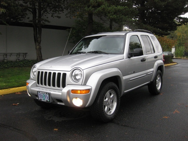 2002 Jeep Liberty Limited Edition 4WD / Leather Seats / Loaded   Photo 1    Portland