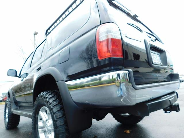 1999 Toyota 4Runner SR5 4WD V6 3.4L / LEATHER / TIMING BELT / LIFTED ! - Photo 11 - Portland, OR 97217