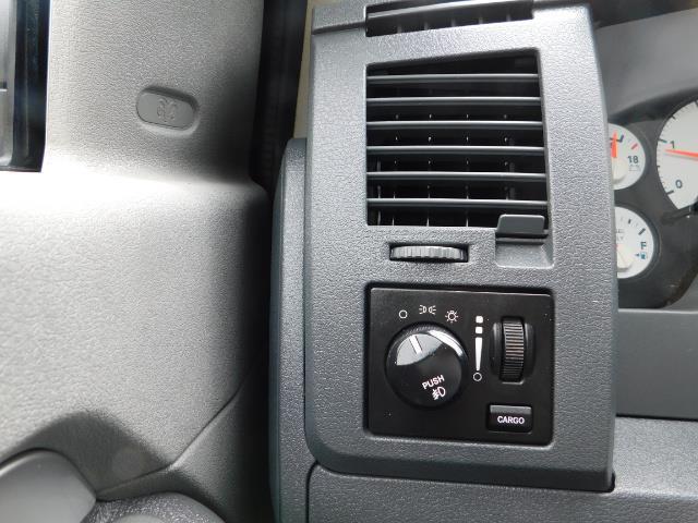 2007 Dodge Ram 2500 SLT BIG HORN EDITION / 4X4 / 5.9L DIESEL / 1-OWNER - Photo 39 - Portland, OR 97217