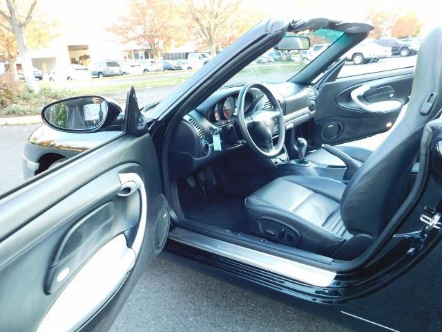 2004 Porsche 911 Carrera 4 / AWD / Convertible / 6-SPEED / 42K MILE - Photo 16 - Portland, OR 97217