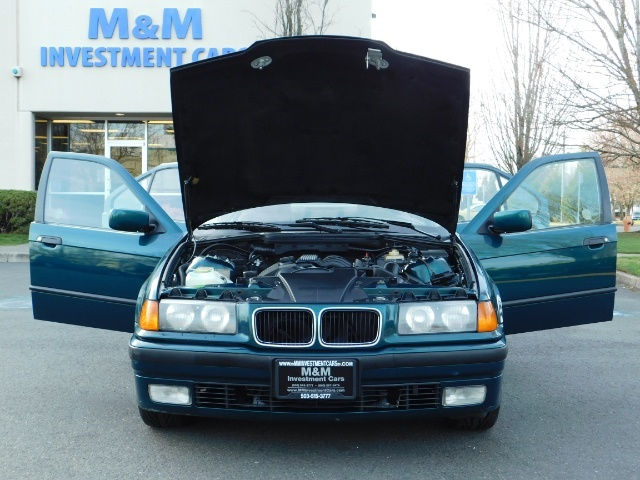 1996 BMW 328i / 4Dr  / Leather / 5-SPEED MANUAL / 1-OWNER - Photo 33 - Portland, OR 97217