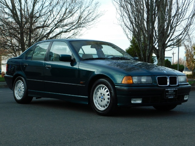 1996 BMW 328i / 4Dr  / Leather / 5-SPEED MANUAL / 1-OWNER - Photo 2 - Portland, OR 97217