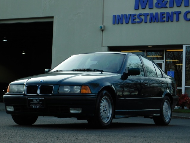 1996 BMW 328i / 4Dr  / Leather / 5-SPEED MANUAL / 1-OWNER - Photo 44 - Portland, OR 97217