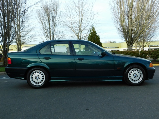 1996 BMW 328i / 4Dr  / Leather / 5-SPEED MANUAL / 1-OWNER - Photo 4 - Portland, OR 97217