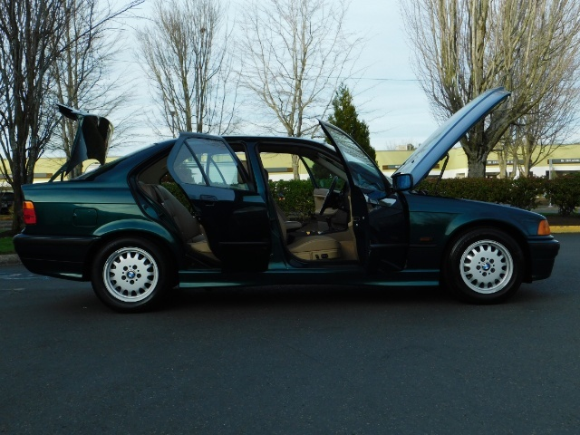 1996 BMW 328i / 4Dr  / Leather / 5-SPEED MANUAL / 1-OWNER - Photo 31 - Portland, OR 97217