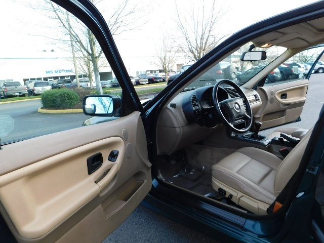 1996 BMW 328i / 4Dr  / Leather / 5-SPEED MANUAL / 1-OWNER - Photo 13 - Portland, OR 97217