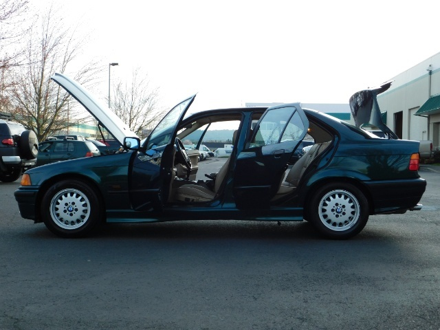 1996 BMW 328i / 4Dr  / Leather / 5-SPEED MANUAL / 1-OWNER - Photo 26 - Portland, OR 97217