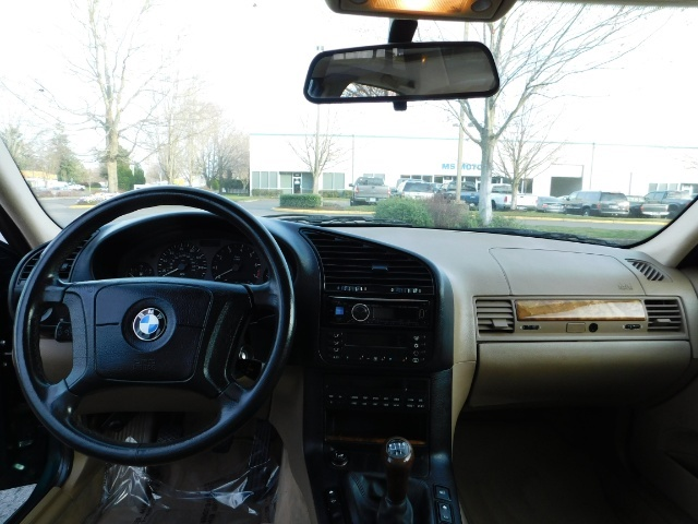 1996 BMW 328i / 4Dr  / Leather / 5-SPEED MANUAL / 1-OWNER - Photo 35 - Portland, OR 97217
