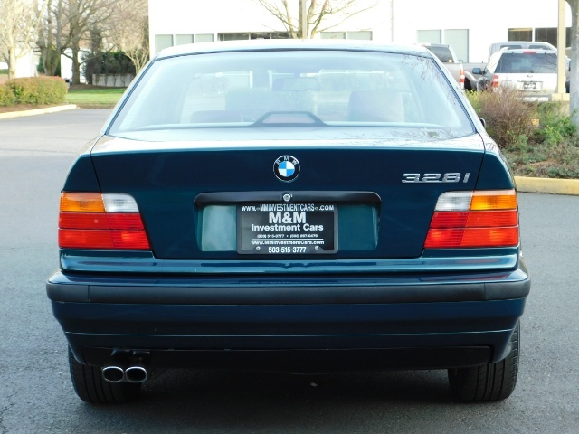 1996 BMW 328i / 4Dr  / Leather / 5-SPEED MANUAL / 1-OWNER - Photo 6 - Portland, OR 97217