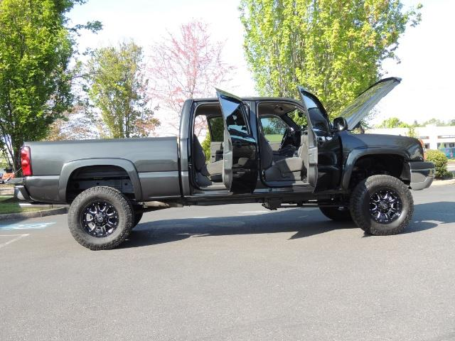 2005 Chevrolet Silverado 1500 LS 4dr Crew Cab / 4X4 / LIFTED / 86K Miles - Photo 30 - Portland, OR 97217