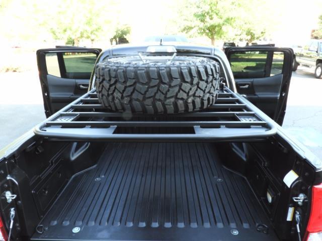 2017 Toyota Tacoma TRD 4X4 CUSTOM / WINCH / PRO COMP LIFT / 3 K MILES - Photo 11 - Portland, OR 97217