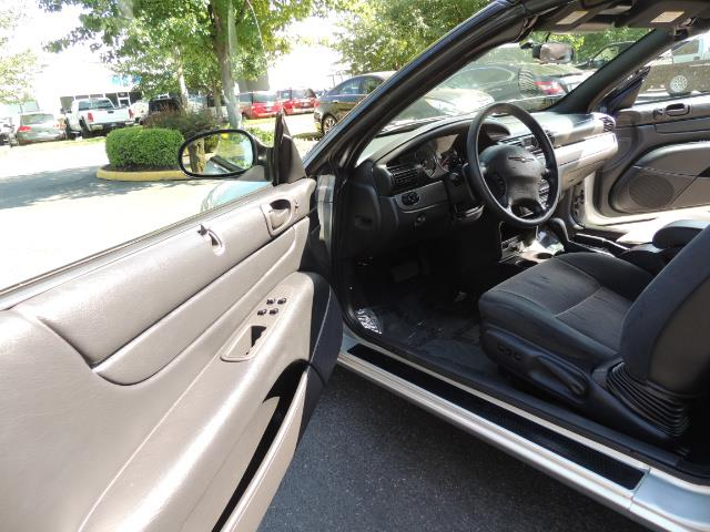 2004 Chrysler Sebring Touring / Convertible / ONly 74K MILES - Photo 41 - Portland, OR 97217