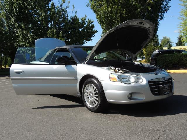 2004 Chrysler Sebring Touring / Convertible / ONly 74K MILES - Photo 30 - Portland, OR 97217
