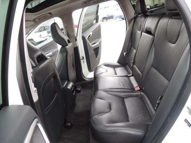 2016 Volvo XC60 T5 Premier / AWD / Leather / Navi / Pano Sunroof - Photo 60 - Portland, OR 97217
