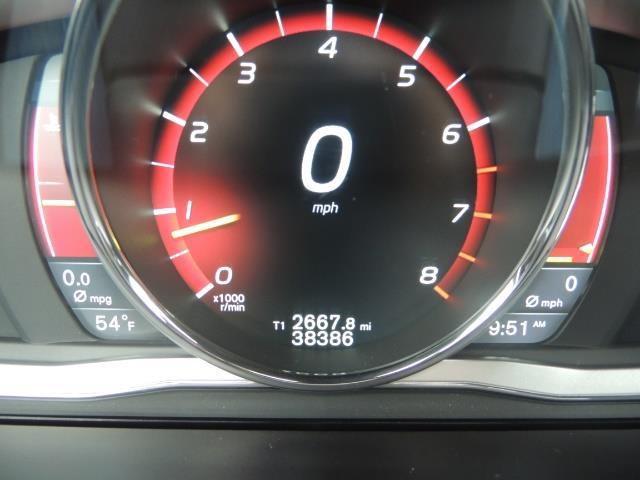2016 Volvo XC60 T5 Premier / AWD / Leather / Navi / Pano Sunroof - Photo 38 - Portland, OR 97217