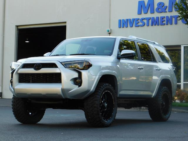 2016 Toyota 4Runner SR5 / 4WD / THIRD SEAT / LIFTED LIFTED - Photo 1 - Portland, OR 97217
