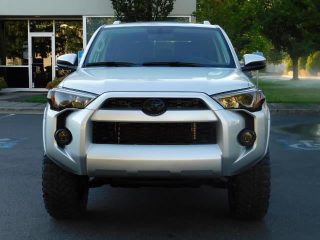 2016 Toyota 4Runner SR5 / 4WD / THIRD SEAT / LIFTED LIFTED - Photo 58 - Portland, OR 97217