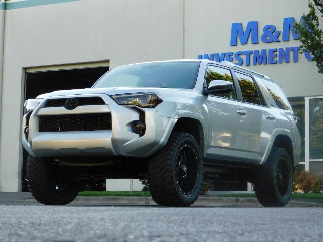 2016 Toyota 4Runner SR5 / 4WD / THIRD SEAT / LIFTED LIFTED - Photo 46 - Portland, OR 97217