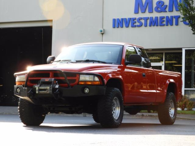 2000 Dodge Dakota SLT 4X4 V8 / CUSTOM BUMPER /  WINCH / LOW MILES !! - Photo 1 - Portland, OR 97217