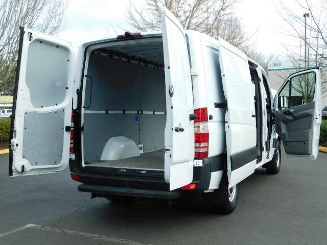 2014 Mercedes-Benz Sprinter Cargo Van 2500 144 WB / V6 DIESEL / Backup Cam - Photo 21 - Portland, OR 97217