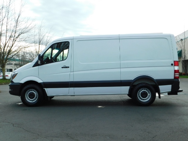 2014 Mercedes-Benz Sprinter Cargo Van 2500 144 WB / V6 DIESEL / Backup Cam - Photo 3 - Portland, OR 97217