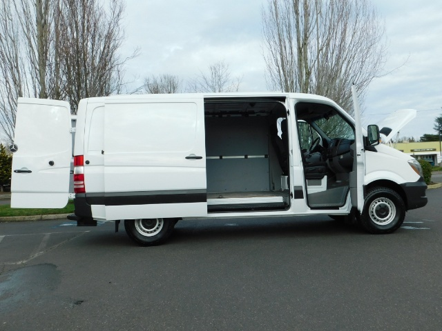 2014 Mercedes-Benz Sprinter Cargo Van 2500 144 WB / V6 DIESEL / Backup Cam - Photo 9 - Portland, OR 97217