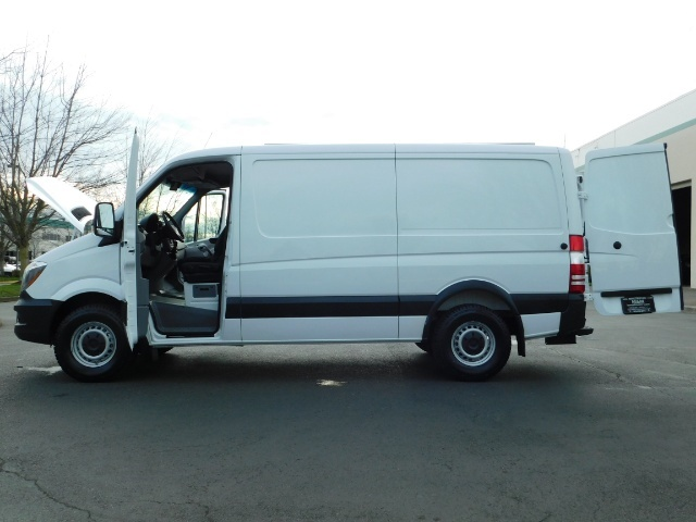 2014 Mercedes-Benz Sprinter Cargo Van 2500 144 WB / V6 DIESEL / Backup Cam - Photo 8 - Portland, OR 97217