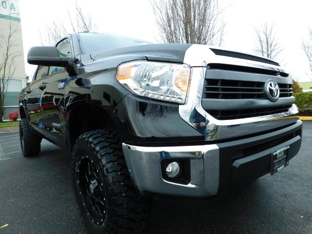 2015 Toyota Tundra SR5 Crewmax / Backup Cam / 1-OWNER / LIFTED LIFTED - Photo 9 - Portland, OR 97217