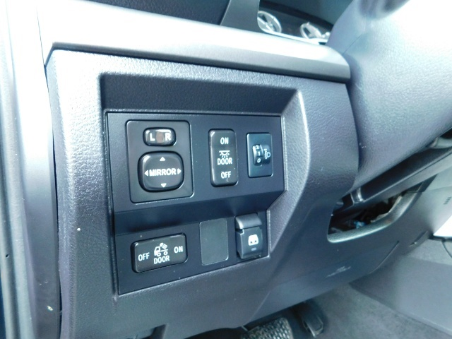 2015 Toyota Tundra SR5 Crewmax / Backup Cam / 1-OWNER / LIFTED LIFTED - Photo 19 - Portland, OR 97217