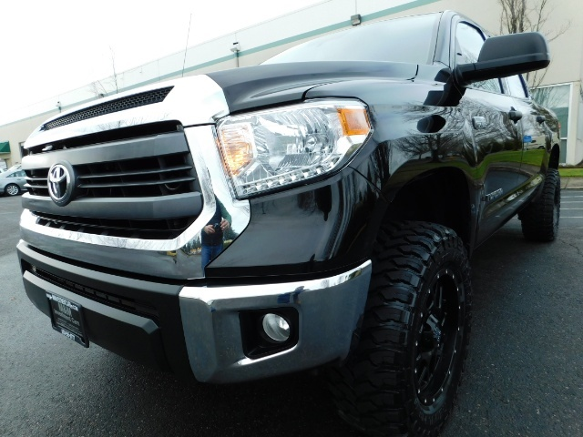 2015 Toyota Tundra SR5 Crewmax / Backup Cam / 1-OWNER / LIFTED LIFTED - Photo 10 - Portland, OR 97217