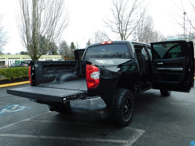 2015 Toyota Tundra SR5 Crewmax / Backup Cam / 1-OWNER / LIFTED LIFTED - Photo 31 - Portland, OR 97217