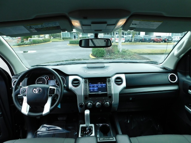 2015 Toyota Tundra SR5 Crewmax / Backup Cam / 1-OWNER / LIFTED LIFTED - Photo 35 - Portland, OR 97217