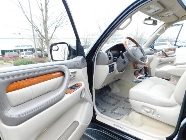 2003 Lexus LX 470 AWD / NAV / DVD / 3RD SEAT / NIGHT VISION - Photo 13 - Portland, OR 97217