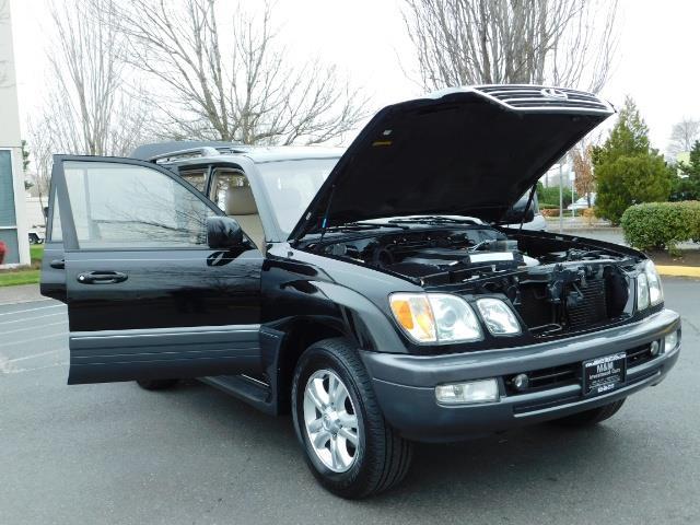 2003 Lexus LX 470 AWD / NAV / DVD / 3RD SEAT / NIGHT VISION - Photo 29 - Portland, OR 97217