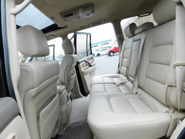 2003 Lexus LX 470 AWD / NAV / DVD / 3RD SEAT / NIGHT VISION - Photo 15 - Portland, OR 97217