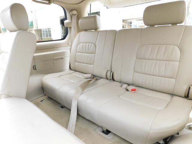 2003 Lexus LX 470 AWD / NAV / DVD / 3RD SEAT / NIGHT VISION - Photo 16 - Portland, OR 97217