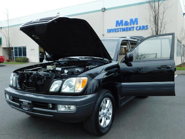2003 Lexus LX 470 AWD / NAV / DVD / 3RD SEAT / NIGHT VISION - Photo 32 - Portland, OR 97217