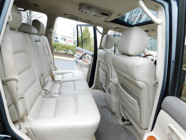 2003 Lexus LX 470 AWD / NAV / DVD / 3RD SEAT / NIGHT VISION - Photo 18 - Portland, OR 97217