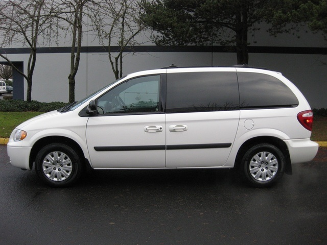 2005 Chrysler Town Country Minivan 2 Sliding Doors Excel Cond Photo